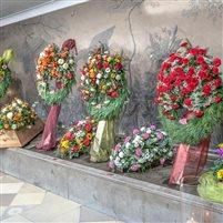 Ausstellung Blumenschmuck bei Städtische Bestattung